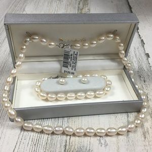 NEW! Cultured Pearl Jewelry Set MSRP $120